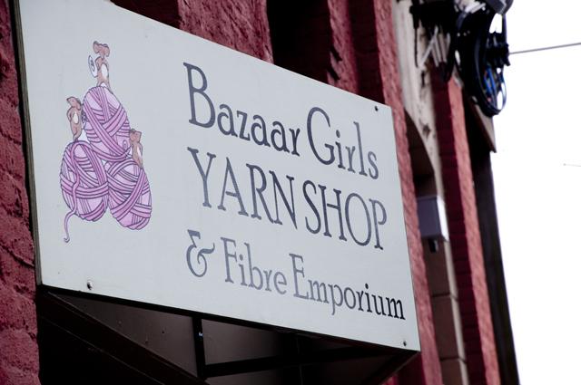 Bazaar_Girls_01