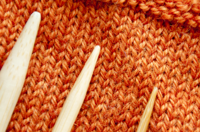 Knitting_Gauge_Basics_needles