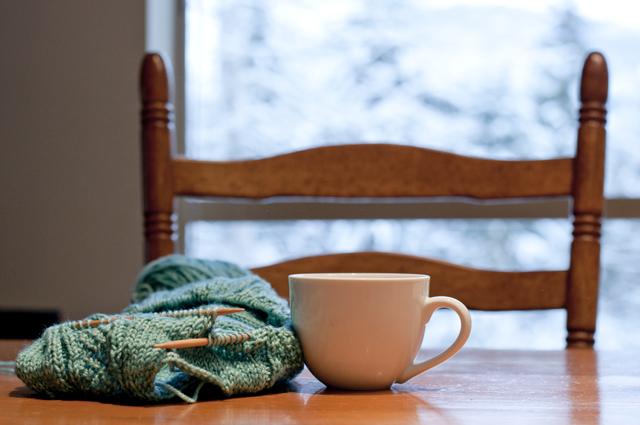 whistler_Knitting_01